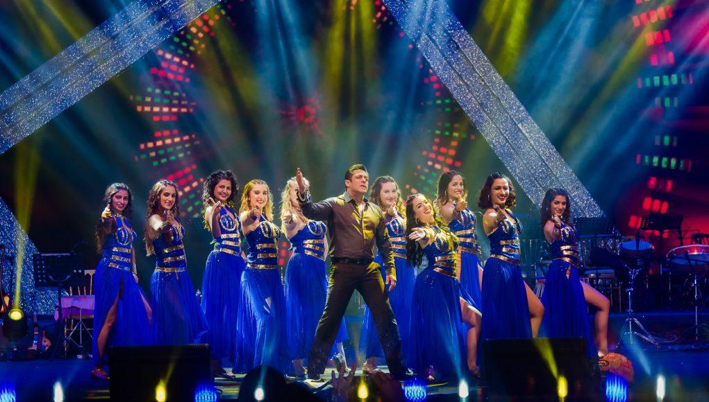 Bollywood superstar Salman Khan performing at the wedding.