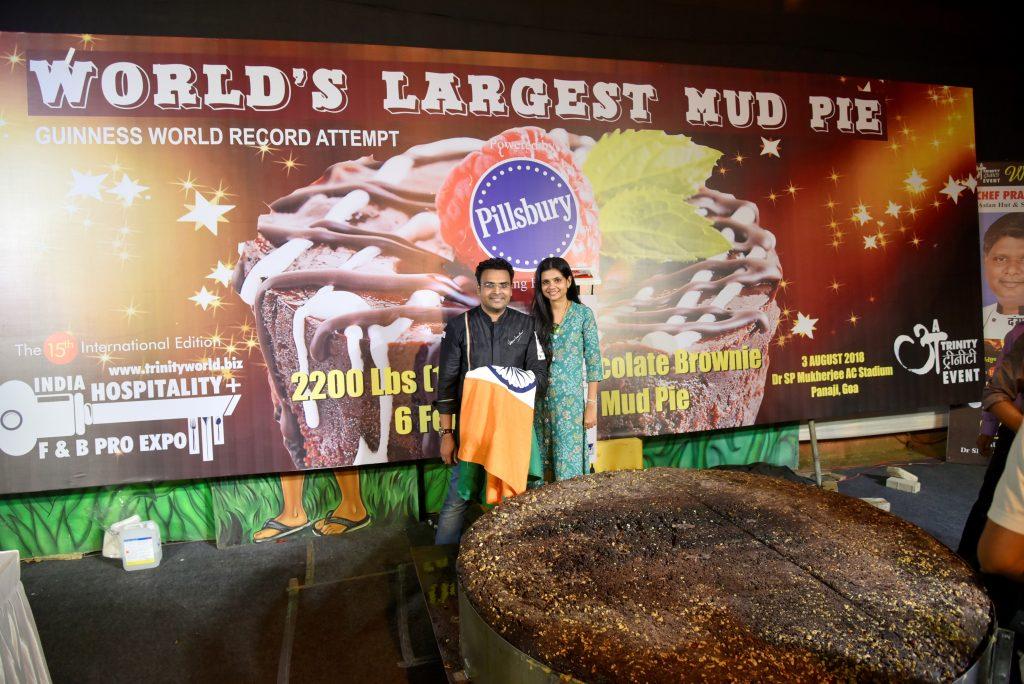 World's largest chocolate mud pie