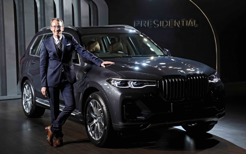 Dr. Hans-Christian Baertels, President (acting), BMW Group India with the BMW X7