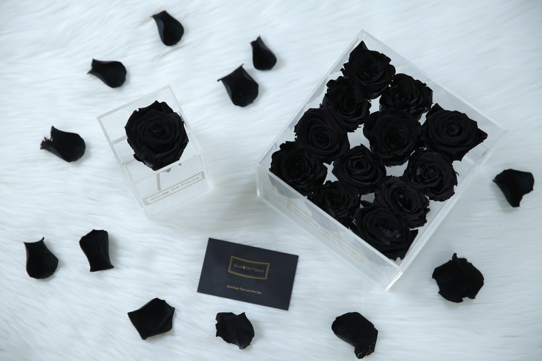 Jet black roses from Studio De Fleurs