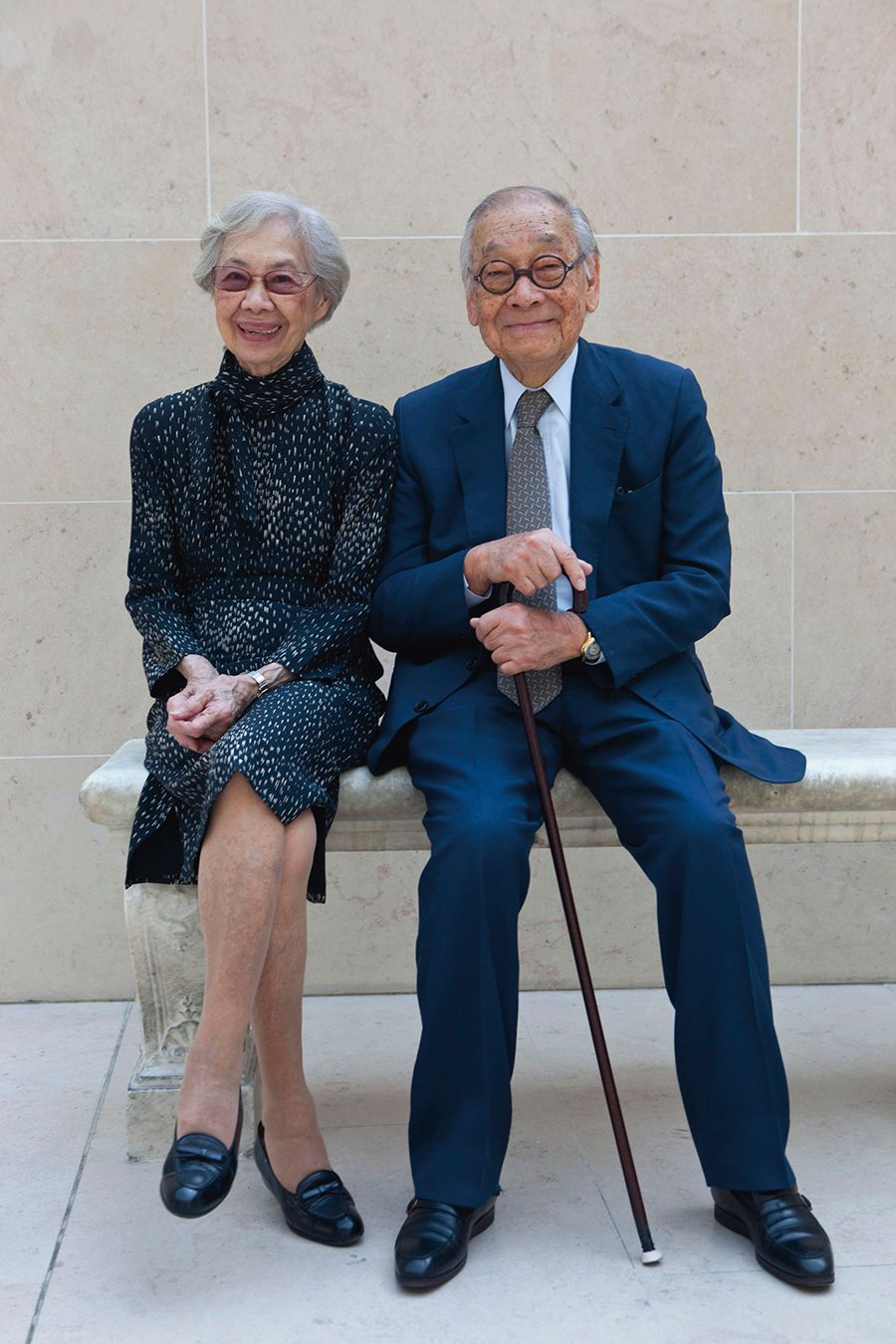 Eileen and I.M. Pei at the Musée du Louvre, Paris, 2009-2010. Photo: Frédéric REGLAIN / DIVERGENCE