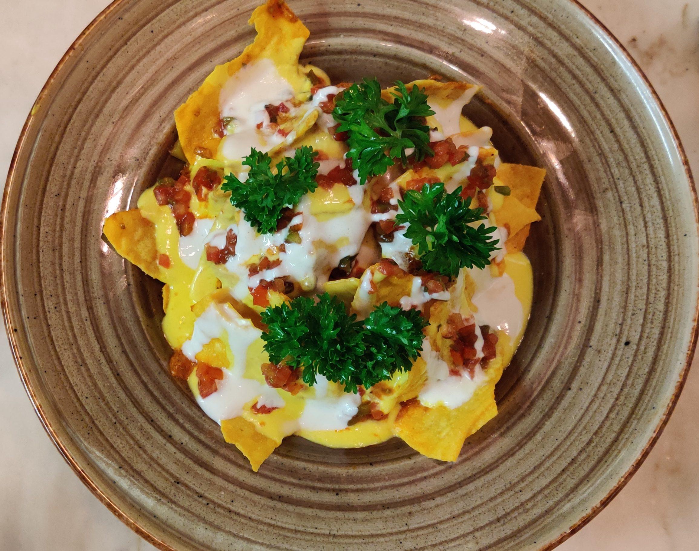 Butter chicken nachos