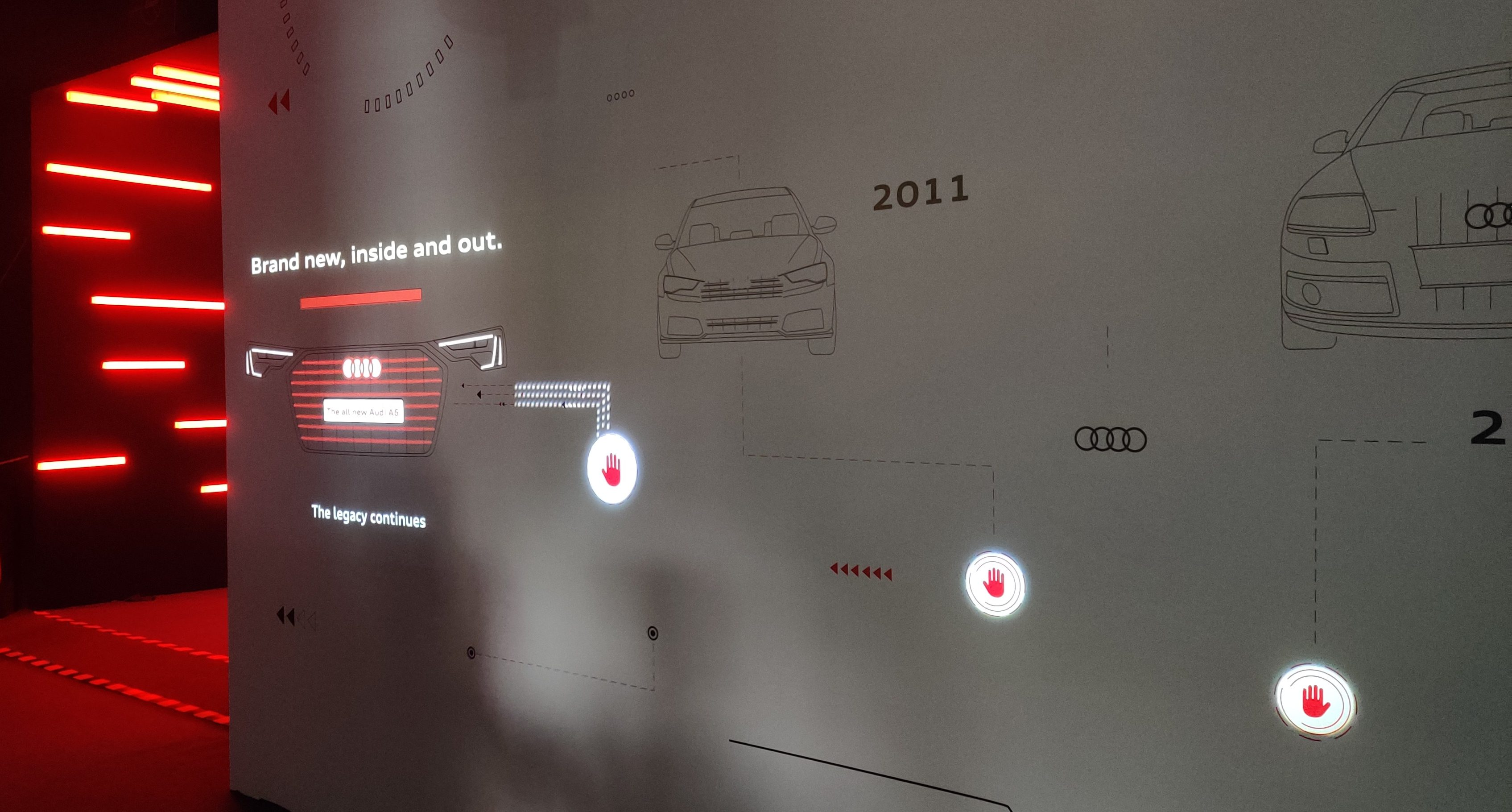 Interactive wall following the evolution of the Audi A6
