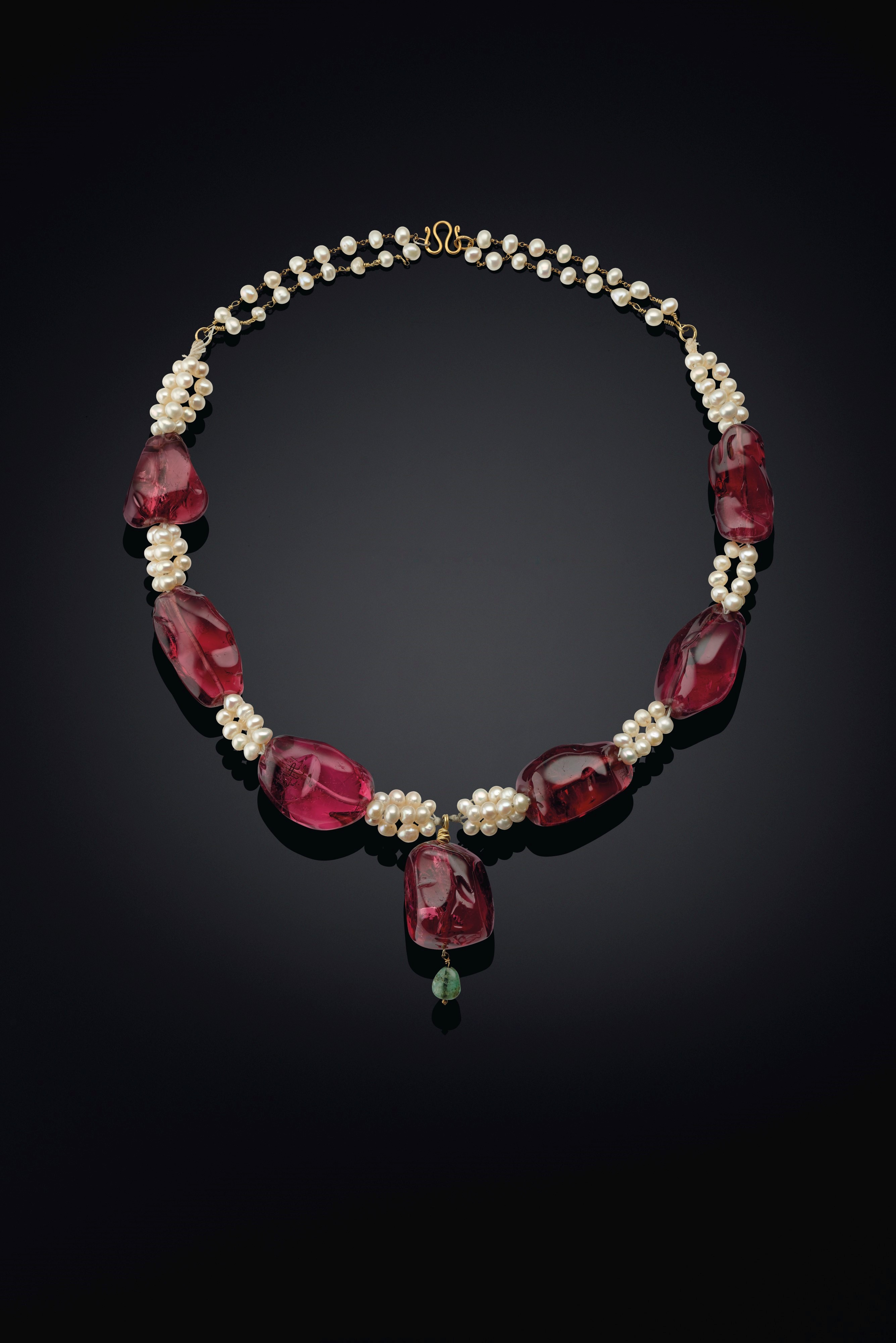 Tumbled spinel necklace recently sold by Christie's at their auction. Image credit: Christie's