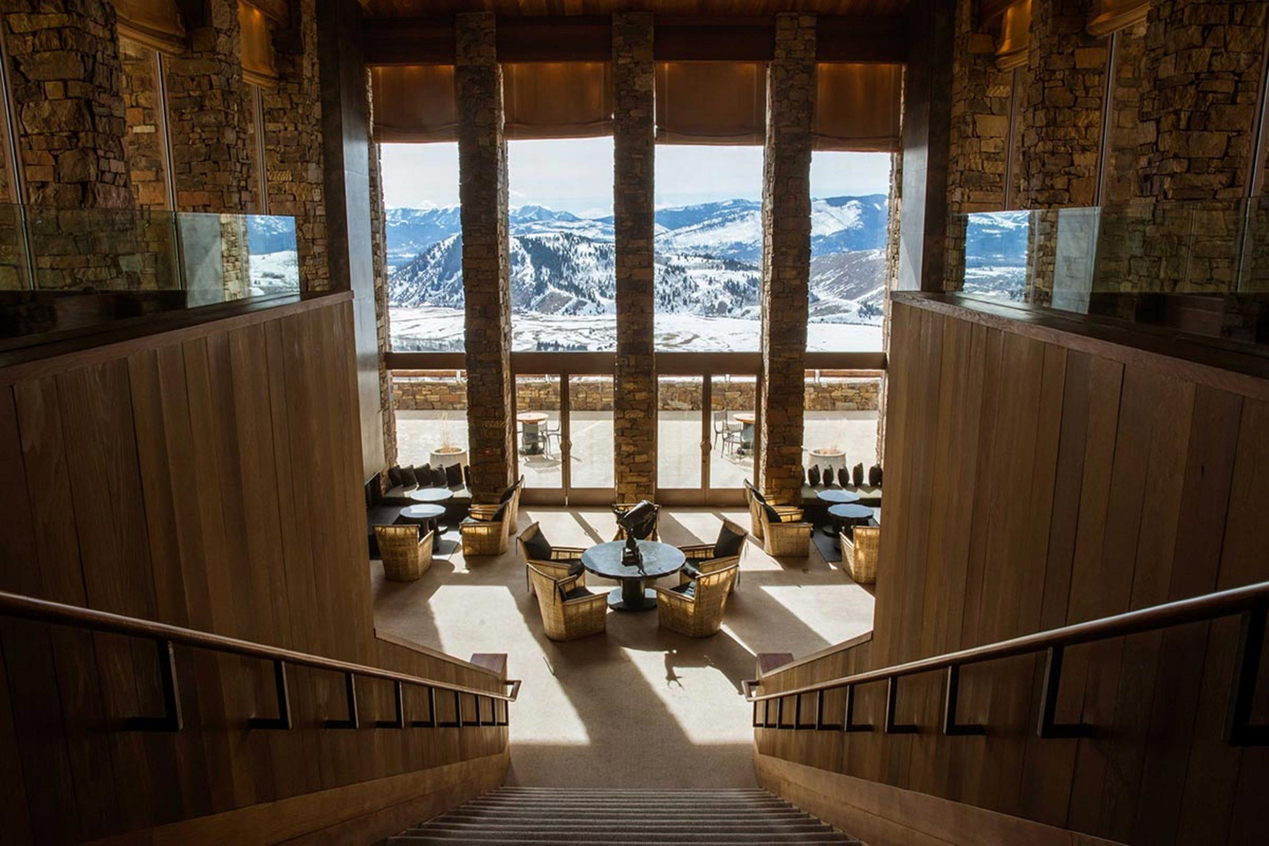 Lounge view, Amangani