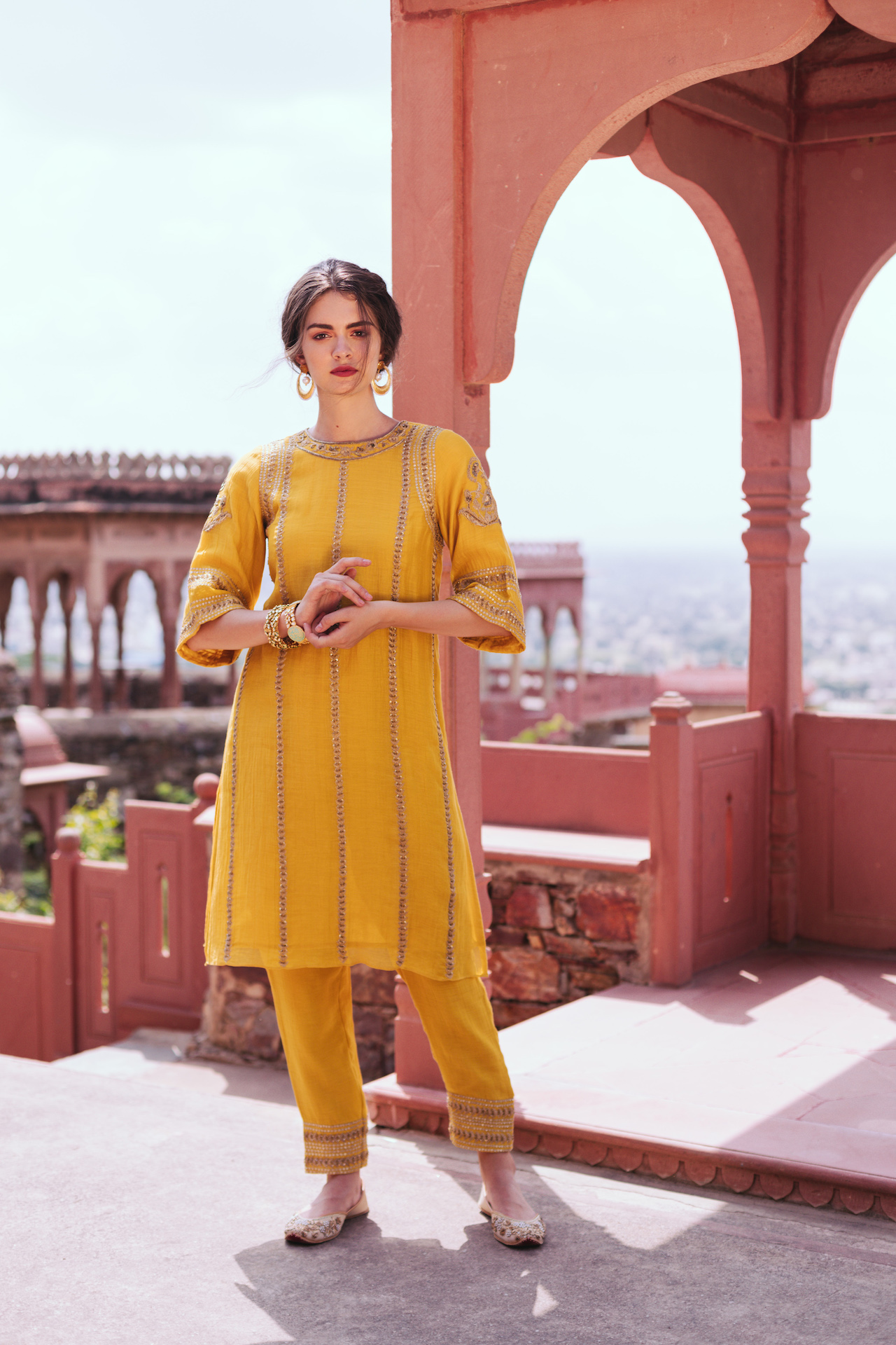Quintessential set dipped in sunshine yellow and accentuated with golden threads