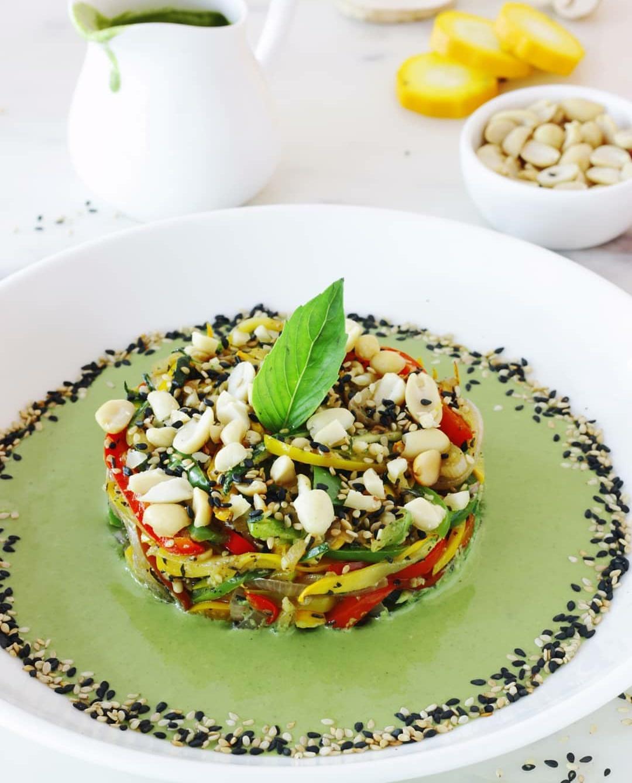 Keto pesto and peanut salad