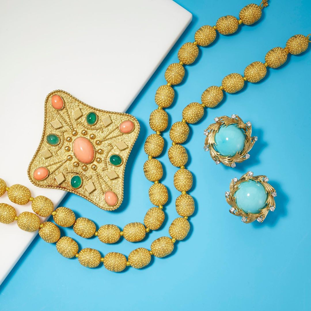 Jewels online-only auction