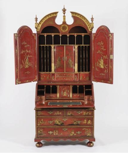 A George I Red 'Japanned' Bureau Bookcase (1725)/Courtesy: artsy.net