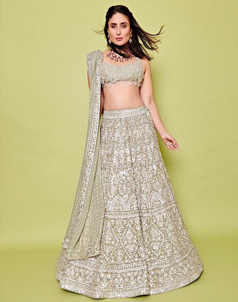 Kareena Kapoor Khan wearing Manish Malhotra ensemble