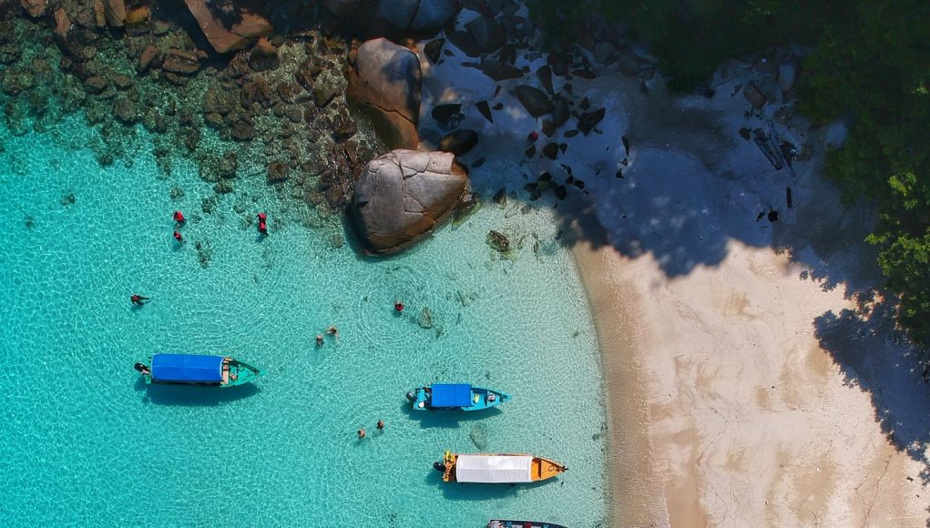 Travel to an island, Unsplash