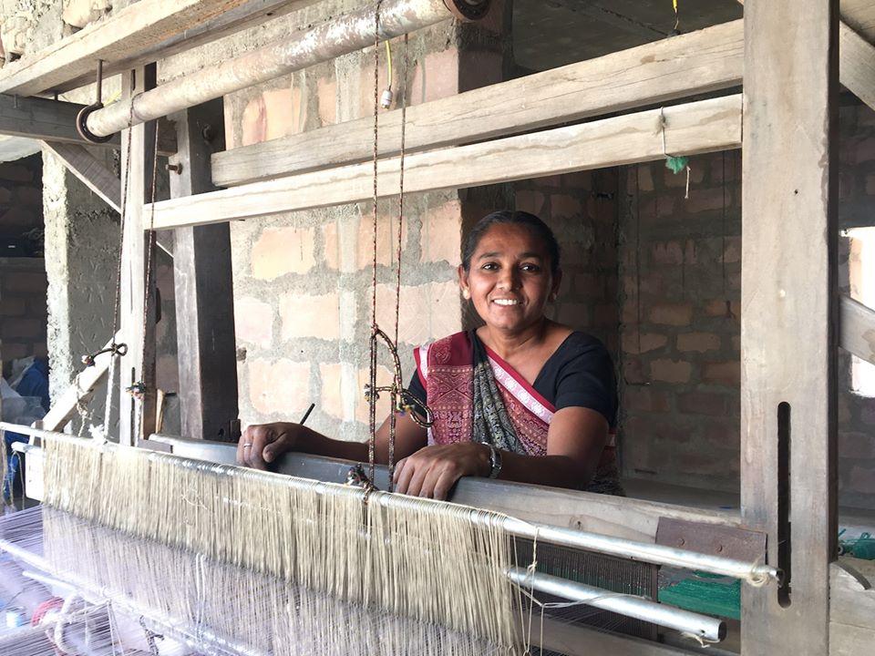 Raji Ben, plastic weaver, Artisans'