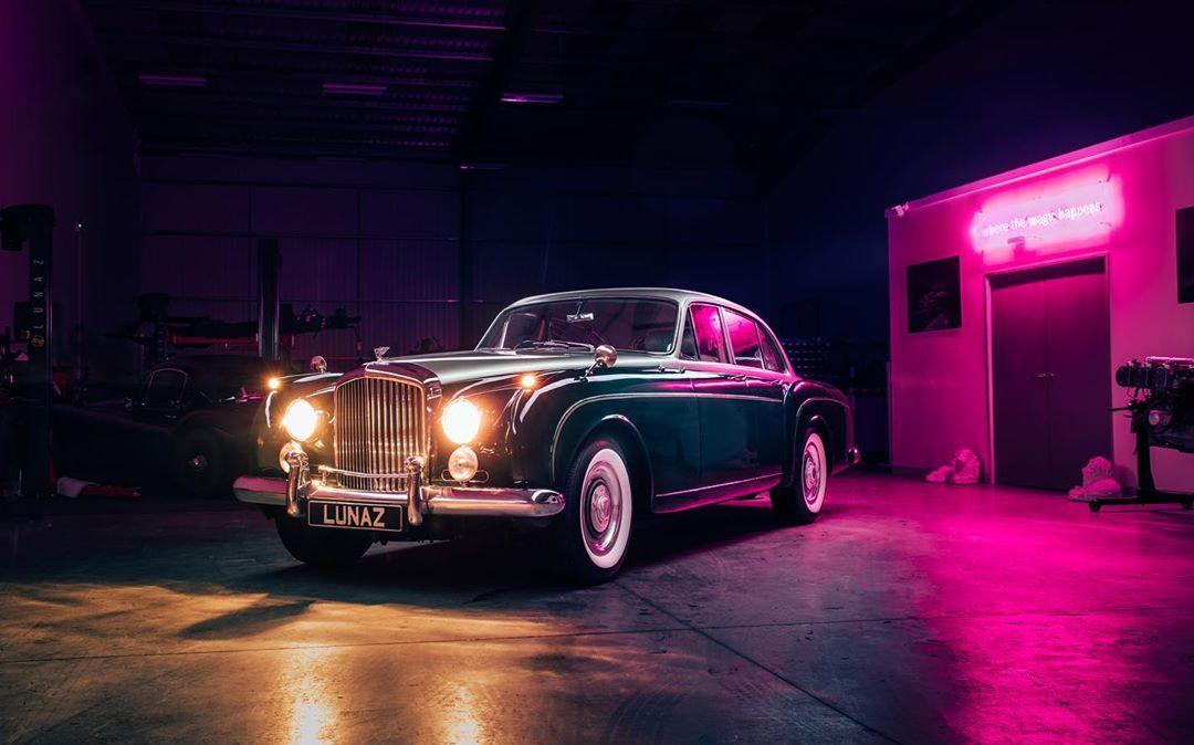 Bentley S2 Flying Spur. Courtesy: Lunaz Design