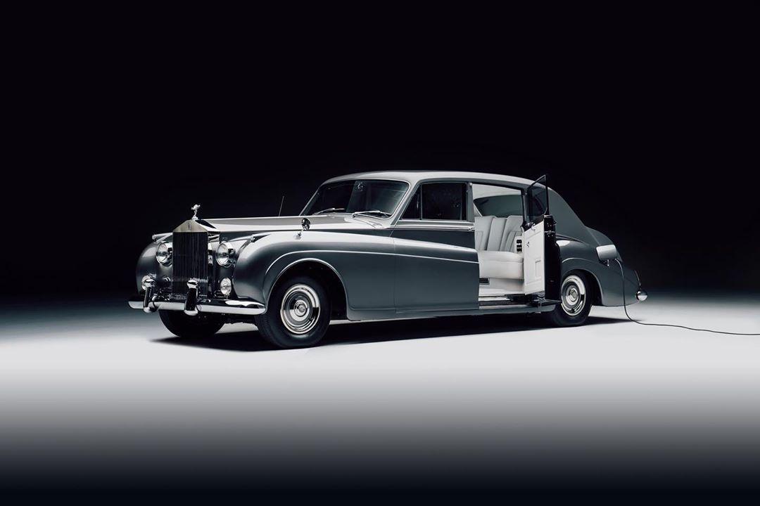 Rolls Royce Phantom V. Courtesy: Lunaz Design