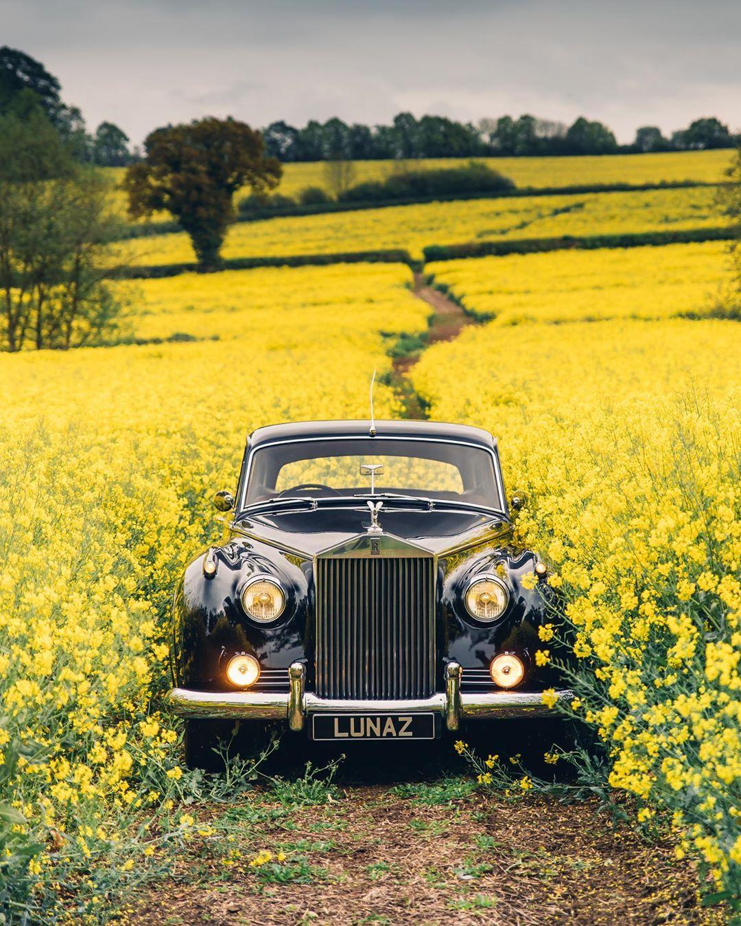 Rolls Royce Cloud. Courtesy: Lunaz Design