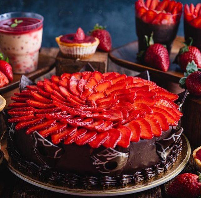 Farmer's Cafe Strawberry chocolate cake