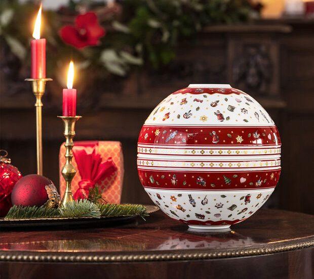 Christmas serve ware