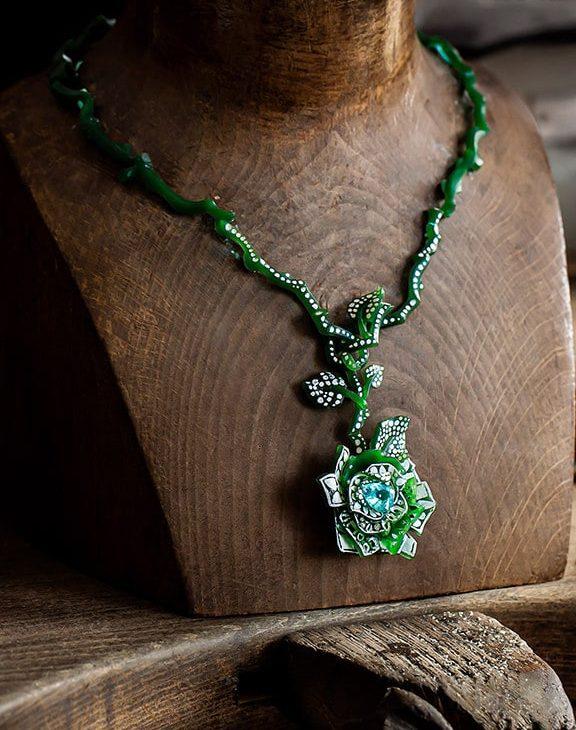 Dior Rose Haute Joaillerie necklace