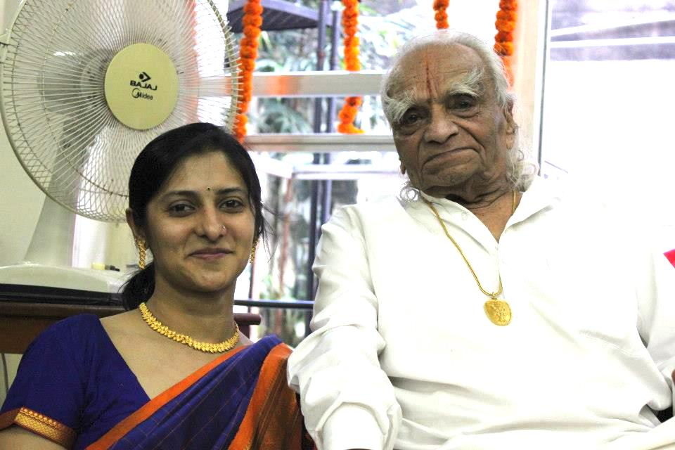 Kalpa Vakilwala with Guruji BKS Iyengar